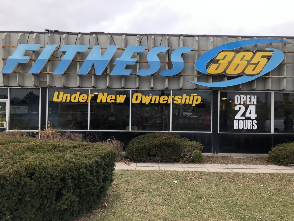 Vinyl Wrap Toronto Window Signage 2019 Yellow Banner Fitness365 Main - Window Signs