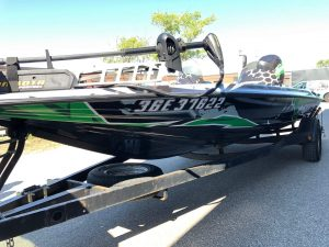 VinylWrapWrap Stratos Boat Full Wrap Avery Dennison Evinrude Front After