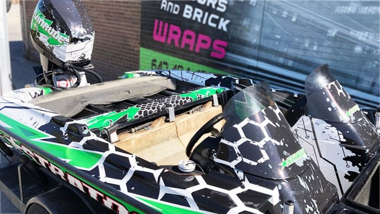 Full Wrap - Boat - Roshan - Avery Dennison - Stratos Boat Evinrude - top -Boat Wrap in Mississauga - Tinting - Racing Stripes