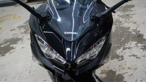 Motorcycle Decals Kawasaki Ninja 400 - VinylWrapToronto.com - Vehicle Wrap in GTA - Avery Dennison - 3M - headlight - Before
