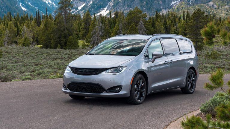 Chrysler Pacifica Minivan - VinylWrapToronto.com - Best Vinyl Wrap In GTA