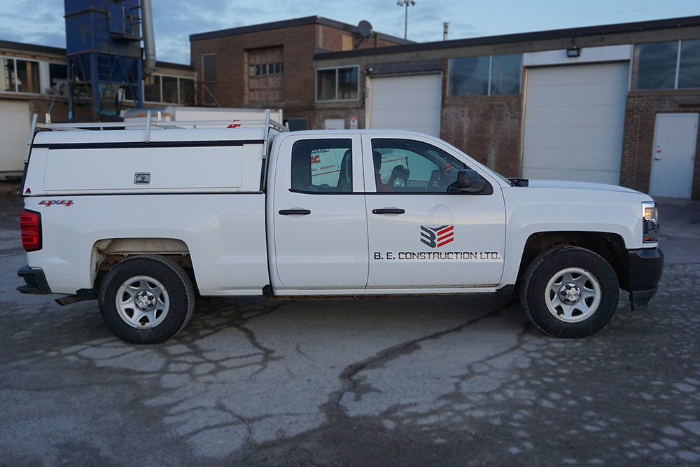 Chevrolet Silverado - Vehicle Decals - VinylWrapToronto.com - B & E Construction - Best Wrap Shop in Toronto - Front Side
