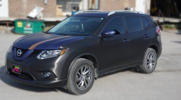 Nissan Rogue 2014 - Full Vinyl Wrap - Stripes - VinylWrapToronto.com - Best Vehicle Wrap in Toronto - Front Side - custom decals